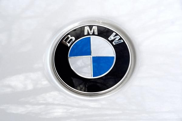 A Guy Test Drove a BMW to a Bank, Robbed It, Then Tried to Use the Cash to Buy the BMW