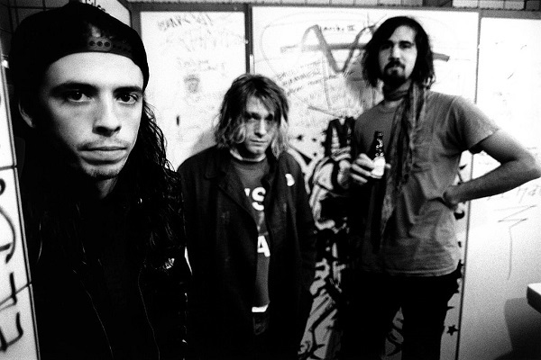 That Time Nirvana Detroyed Dave Grohl's Drum Kit To Prove A Point