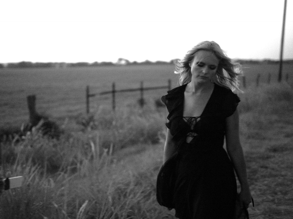 "Miranda Lambert Reveals Track Listing & Songwriters for Double Album, ""The Weight of These Wings"""