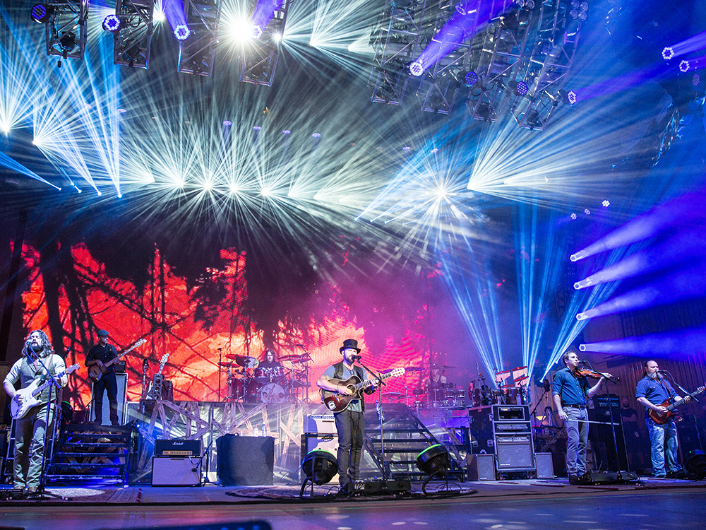 """Zac Brown Band Headlines Gatlinburg's """"Mountain Tough"""" Benefit Festival to Raise Money for Those Affected by East Tennessee Wildfires"""