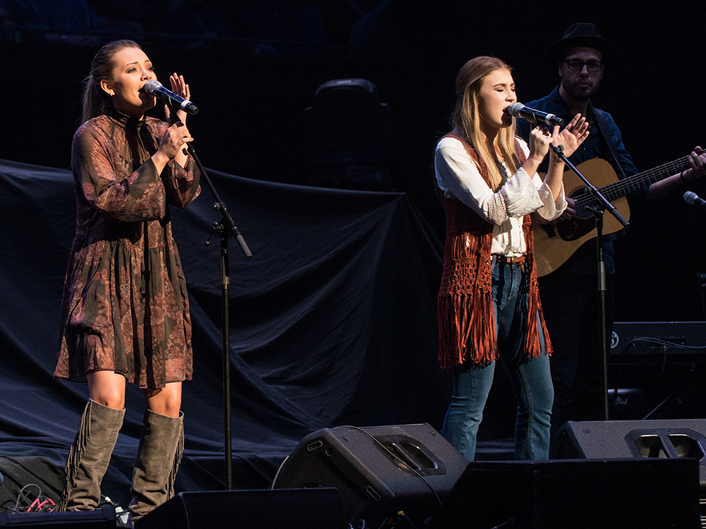 Maddie & Tae Auctioning Signed Guitars to Help Raise Money for the Families of Dead Texas Duck Hunters