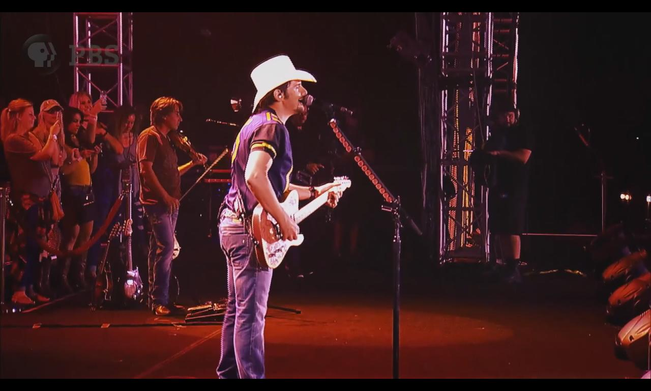 Brad Paisley Playing The Next 'Landmarks Live In Concert' On PBS [VIDEO]