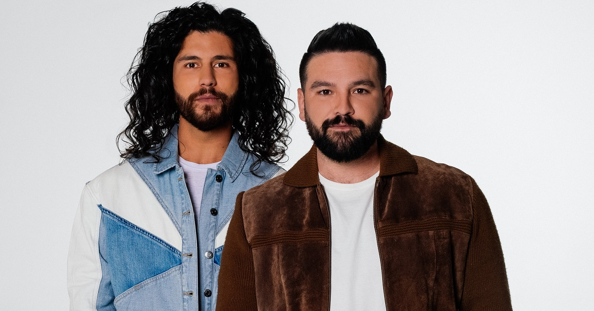 "Dan + Shay Release An Acoustic Version of ""Glad You Exist"""