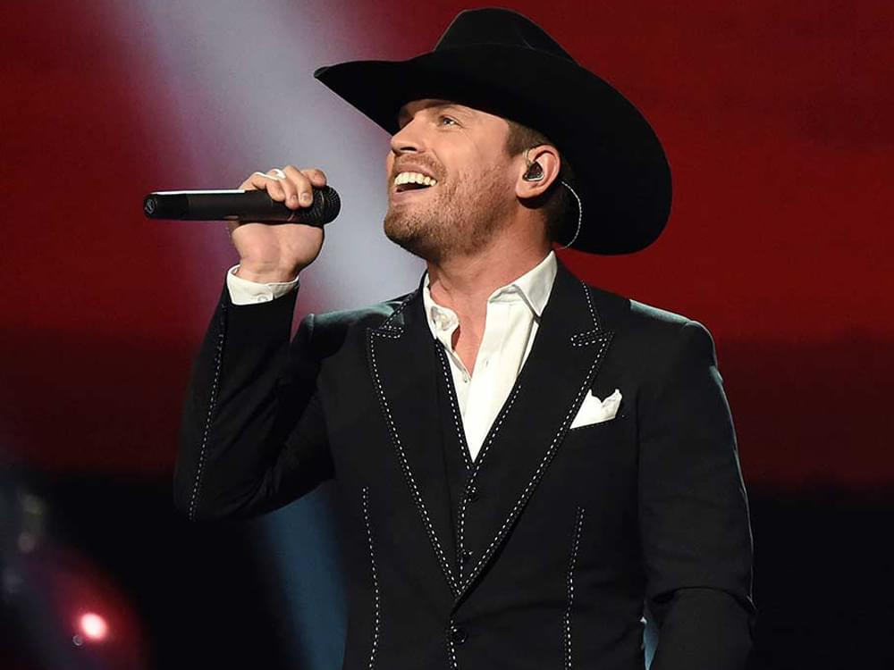 """Dustin Lynch Reveals Track List, Songwriters & Cover Art for New Album, """"Tullahoma"""""""