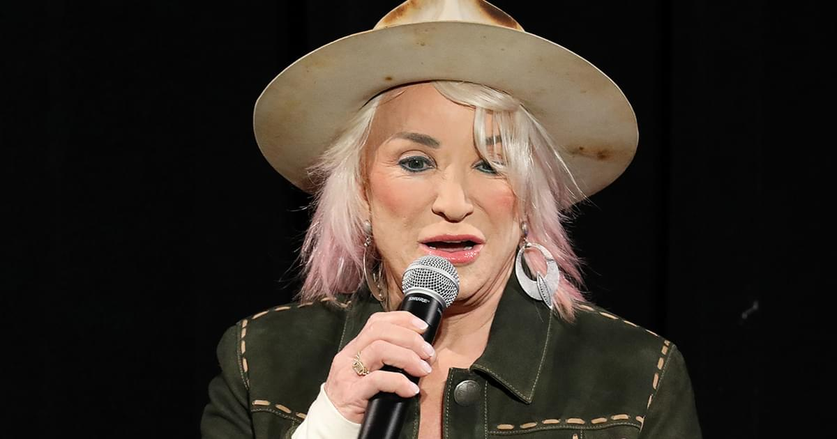 "Listen to Tanya Tucker's Striking Performance of ""Delta Dawn"" From Upcoming Live Album"