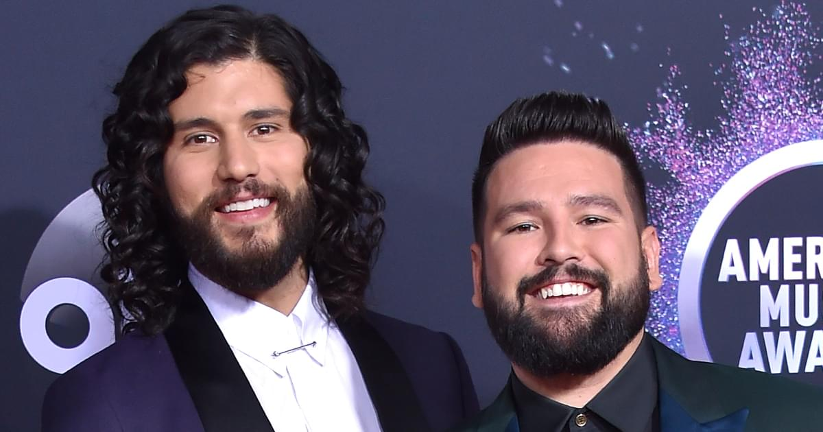 """Watch Dan + Shay Perform """"I Should Probably Go to Bed"""" at the American Music Awards"""
