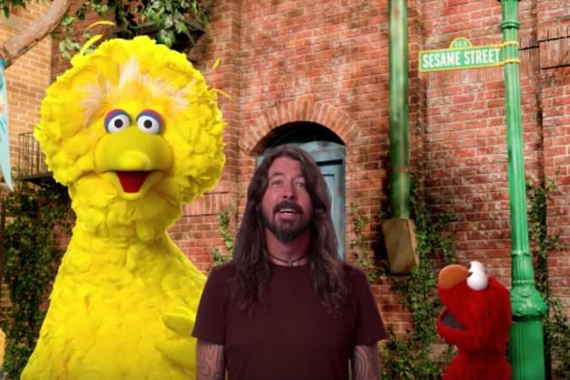 Dave Grohl Travels the Country with Elmo and Big Bird to Make Some New Friends [VIDEO]