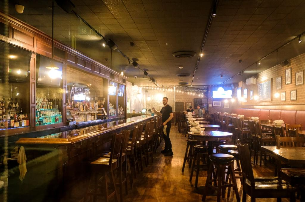 Michigan Bars and Restaurants To Close at 3 P.M., Carry-Out Still Available