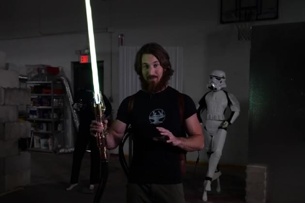 This Guy Made the World's First 4000° Plasma Lightsaber and It's Amazing [VIDEO]