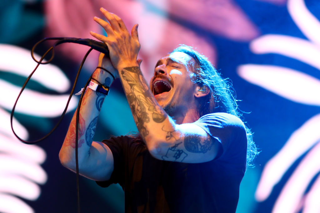Watch Incubus Singer Brandon Boyd Perform With Contestants on 'American Idol' [VIDEO]