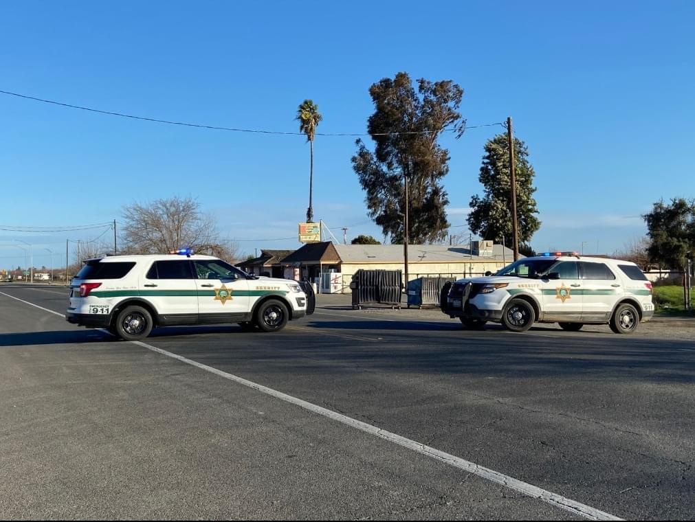 Passenger Van Becomes Shooting Target, Leaving 27 year-old Man Wounded Near Kerman