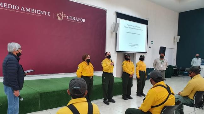Forest Service Mobilizes Mexico Fire Crews to Help Fight California Wildfires