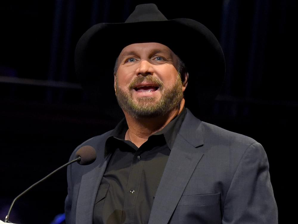 Garth Brooks Announces Final Two Stops on Dive Bar Tour