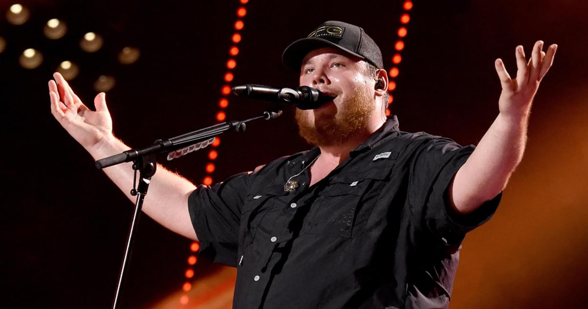 """Lovin' On You"" Becomes Luke Combs' 8th Multi-Week No. 1 Single"