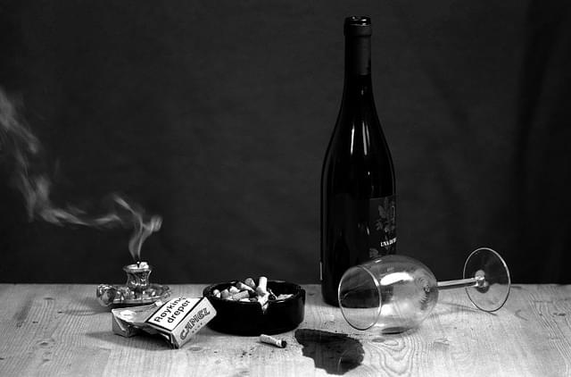 A Bottle Of Wine A Week Is The Equivalent To Smoking 10 Cigarettes