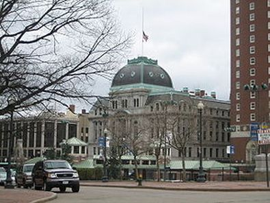 Top Providence mayoral candidates hold final debate