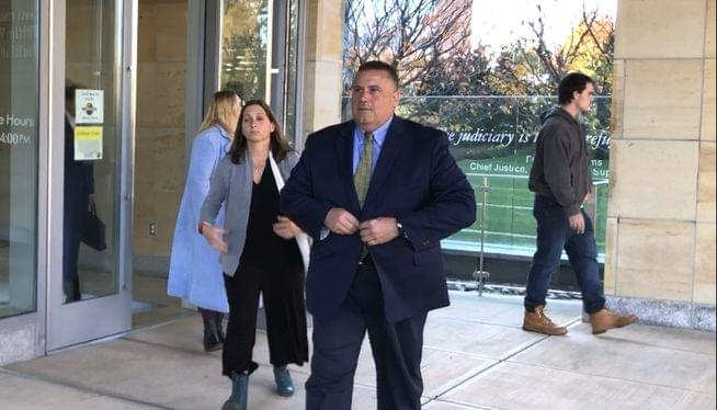 Former Speaker aide rejects deal in money laundering case