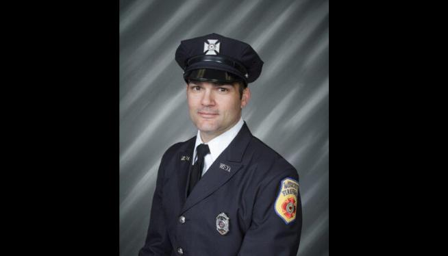 Massachusetts fire lieutenant dies battling house fire