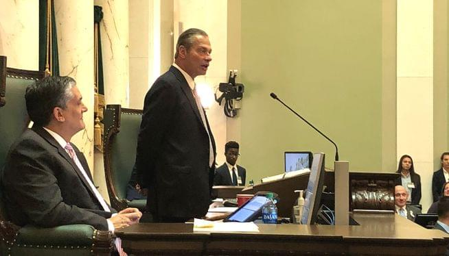 Rhode Island Senate president pushes for plastic bag ban
