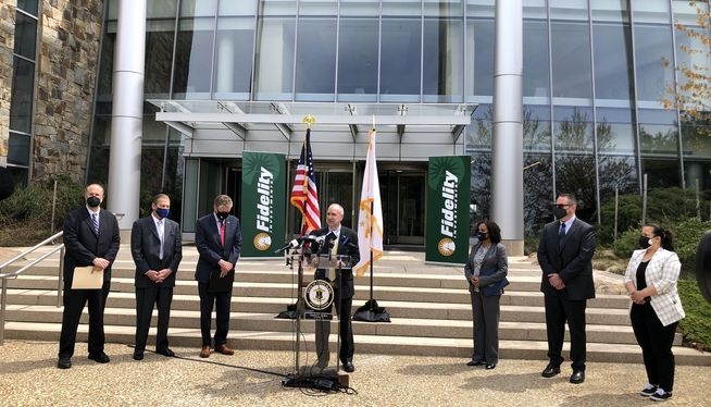 Fidelity to add hundreds of jobs in RI