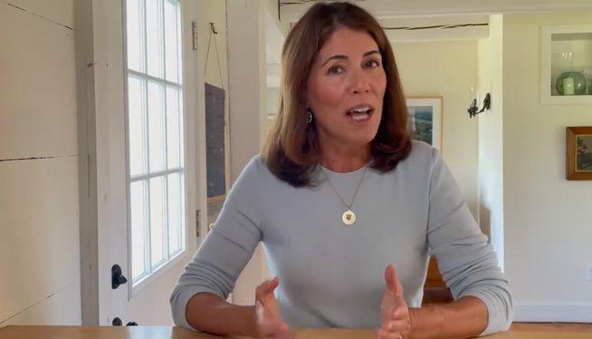 Former CVS executive announces run for Rhode Island governor