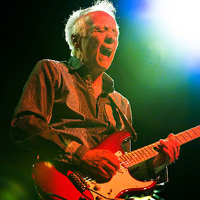 A Chat with Robin Trower