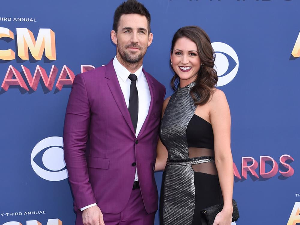 Jake Owen & Girlfriend Erica Hartlein Welcome Baby Girl