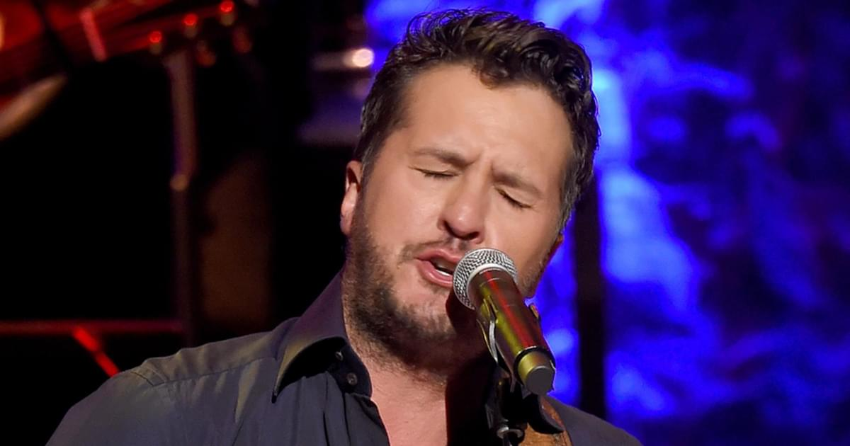 """Watch Luke Bryan Perform """"Born Here, Live Here, Die Here"""" on """"Late Night With Seth Meyers"""""""