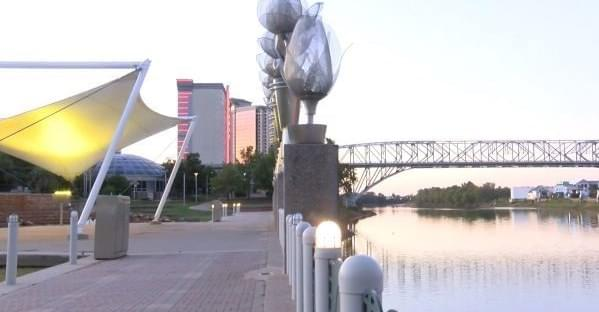 Bright Lights Might Return To The Texas Street Bridge