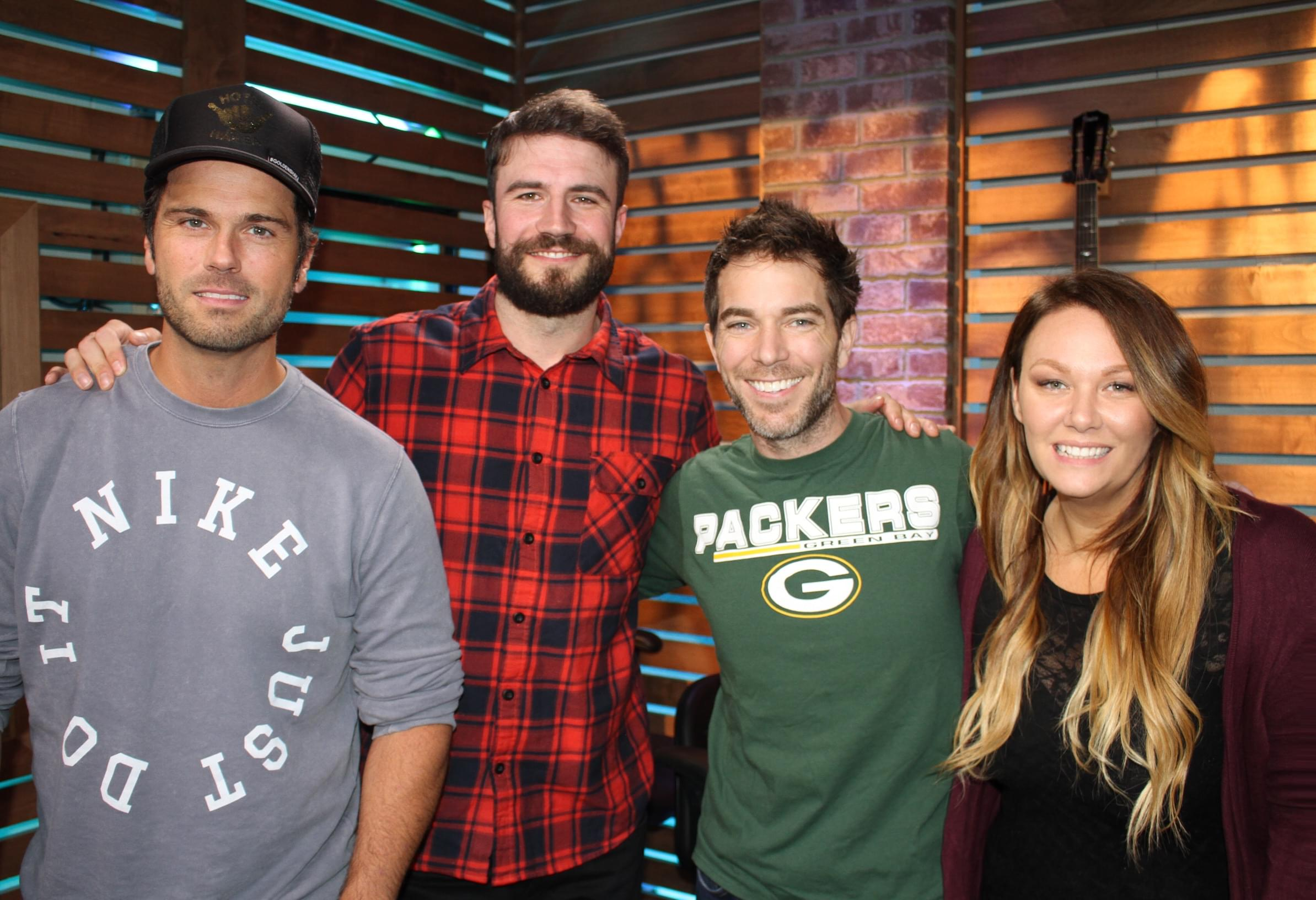 """Sam Hunt Reveals Why It Took Him So Long to Release New Music, Talks the Inspiration Behind New Single """"Kinfolks,"""" Halloween with His Wife & MORE"""