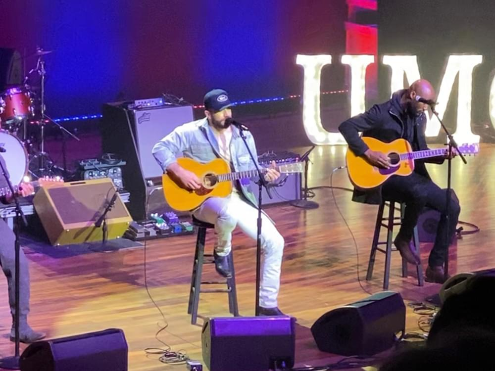 "Sam Hunt Debuts New Song, ""2016,"" at Country Radio Seminar [Listen]"