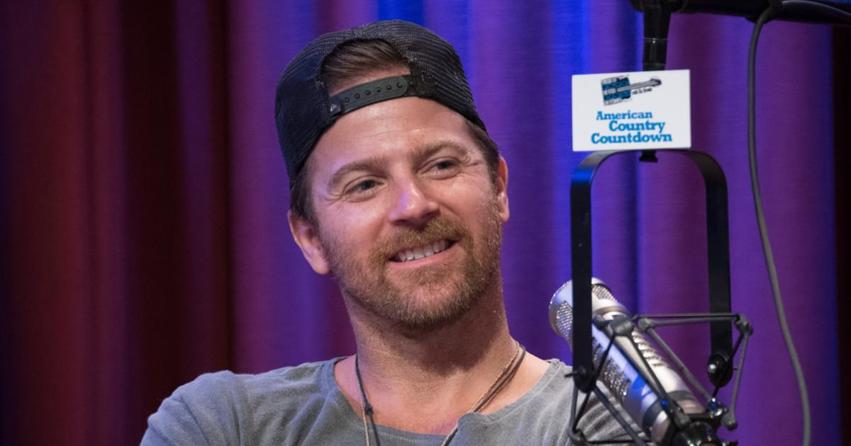 "Kip Moore Says New Album ""Wild World"" Is ""Rowdy, Like an Old Analog Record"""