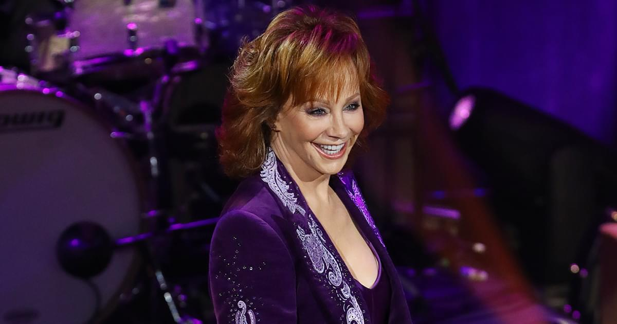 "Watch Reba McEntire Perform ""Rumor Has It,"" ""Fancy"" & More at Ryman Auditorium"