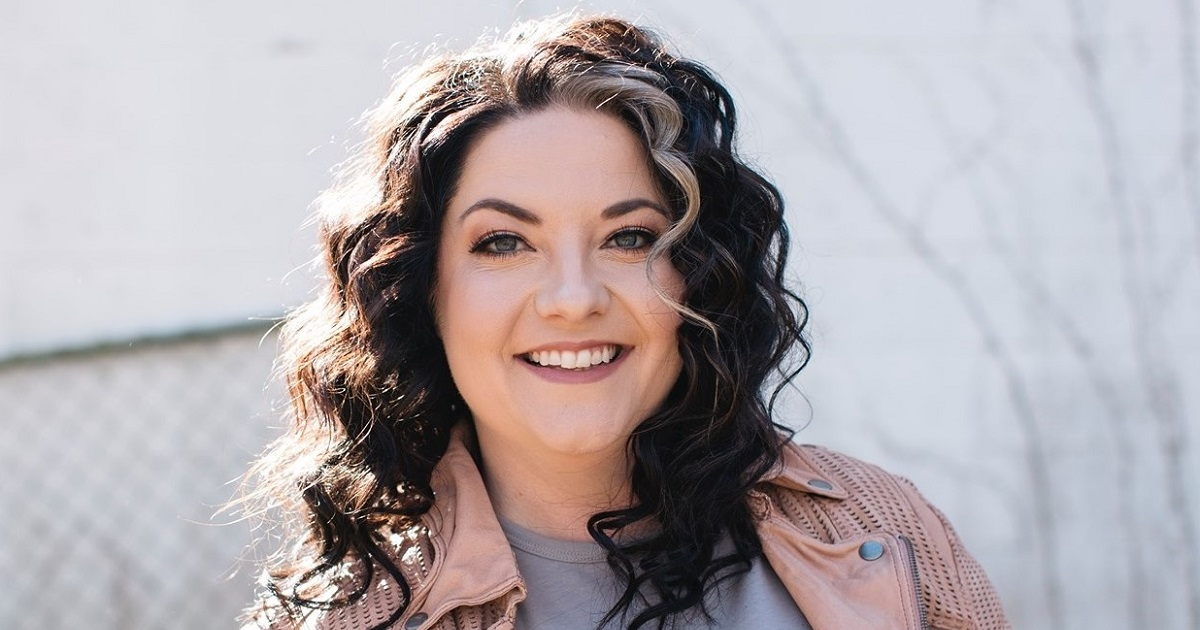 Ashley McBryde Shares That She Was in  An Accident This Week