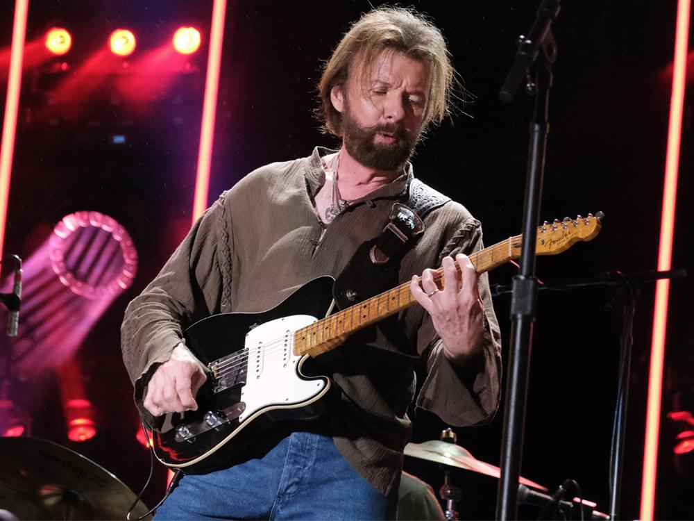 "Listen to Ronnie Dunn Cover George Strait's ""Amarillo by Morning"" for New Country/Rock Cover Album"