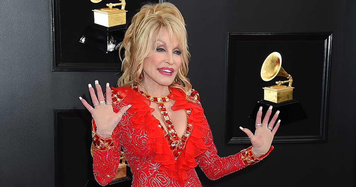 "Listen to Dolly Parton's New Rendition of ""I Saw Mommy Kissing Santa Claus"" From Upcoming Holiday Album"