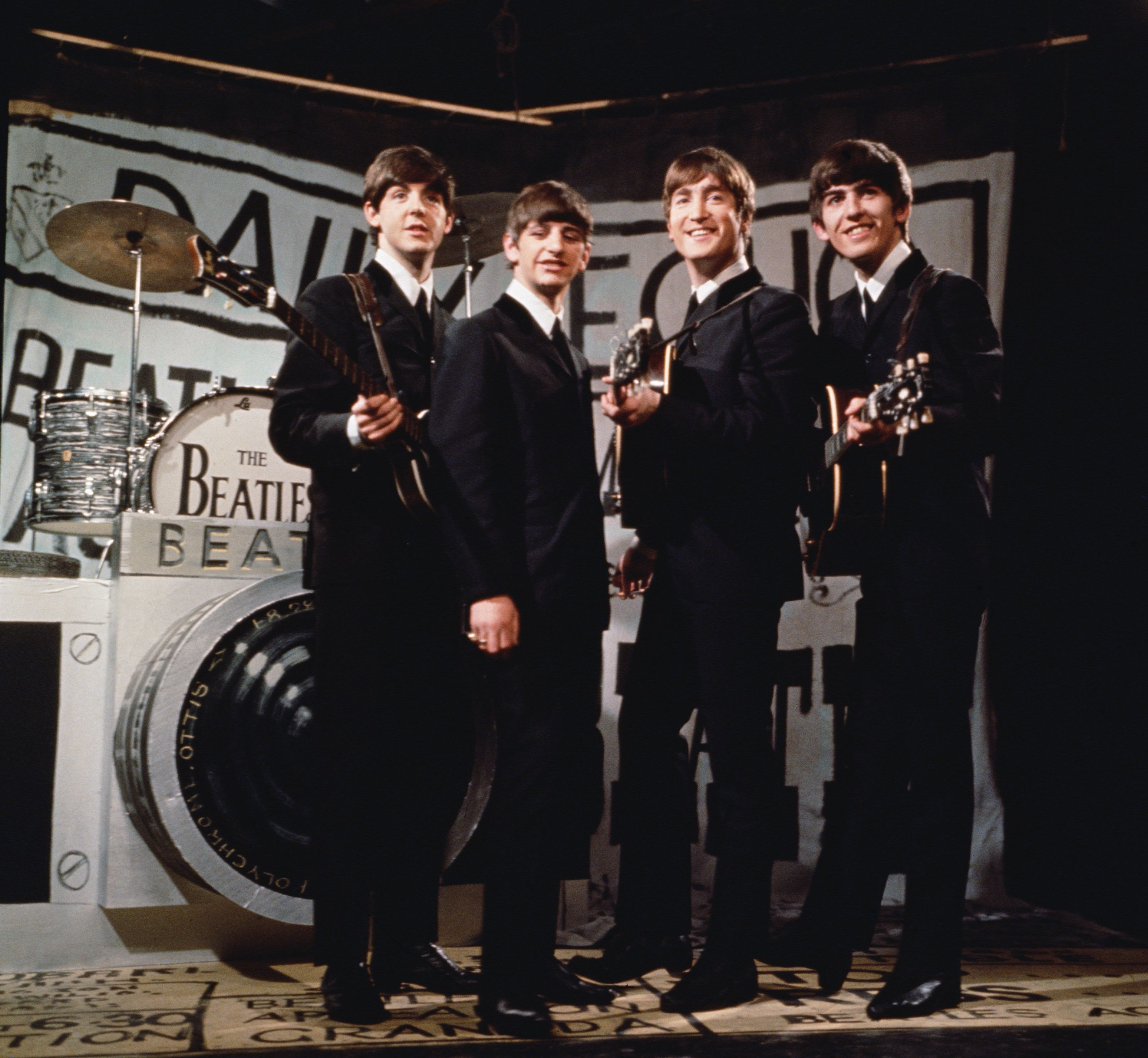 Abbey Road Studio Gear Sold For 1 9 Million 92 5 The Fox Wofx Fm