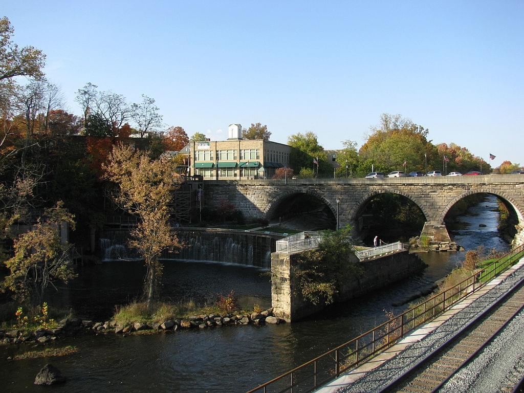 Downtown_Kent_bridge