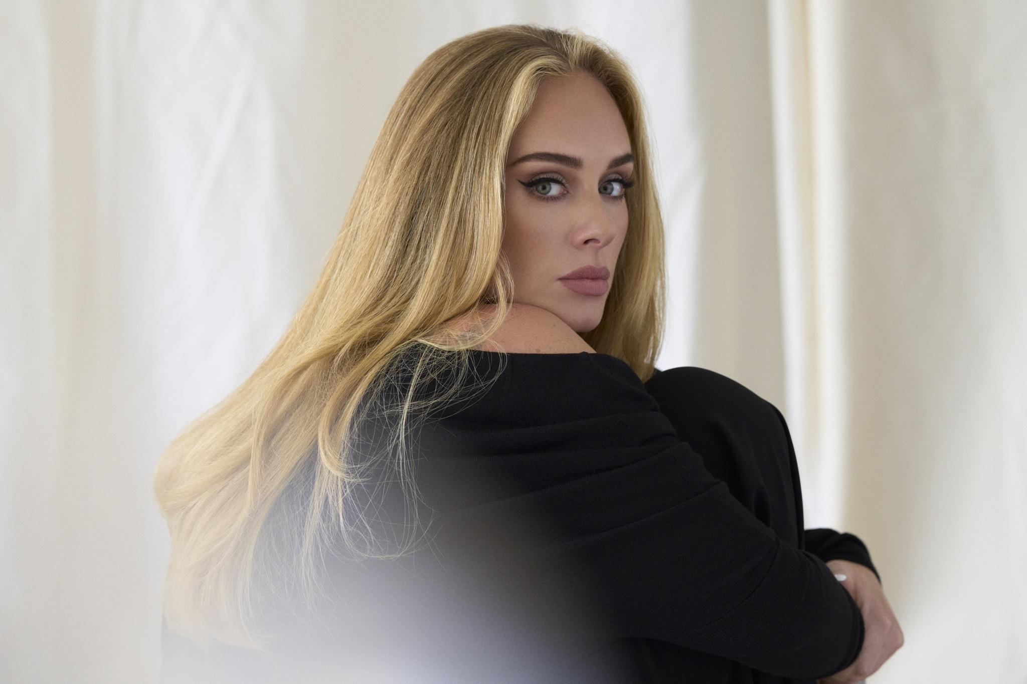 """WATCH: Adele """"Easy On Me"""""""