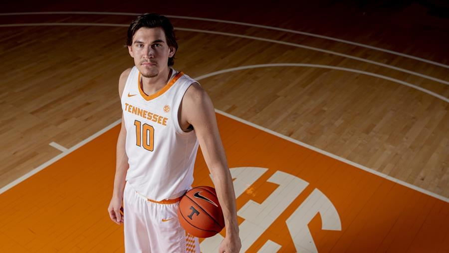 Hoops Preview: Tennessee vs. #15 Kentucky