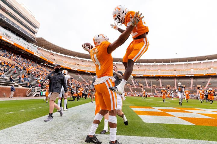 Highlights/Stats/Postgame/Story: Heupel's Up-tempo Offense on Full Display as Orange Tops White, 42-37