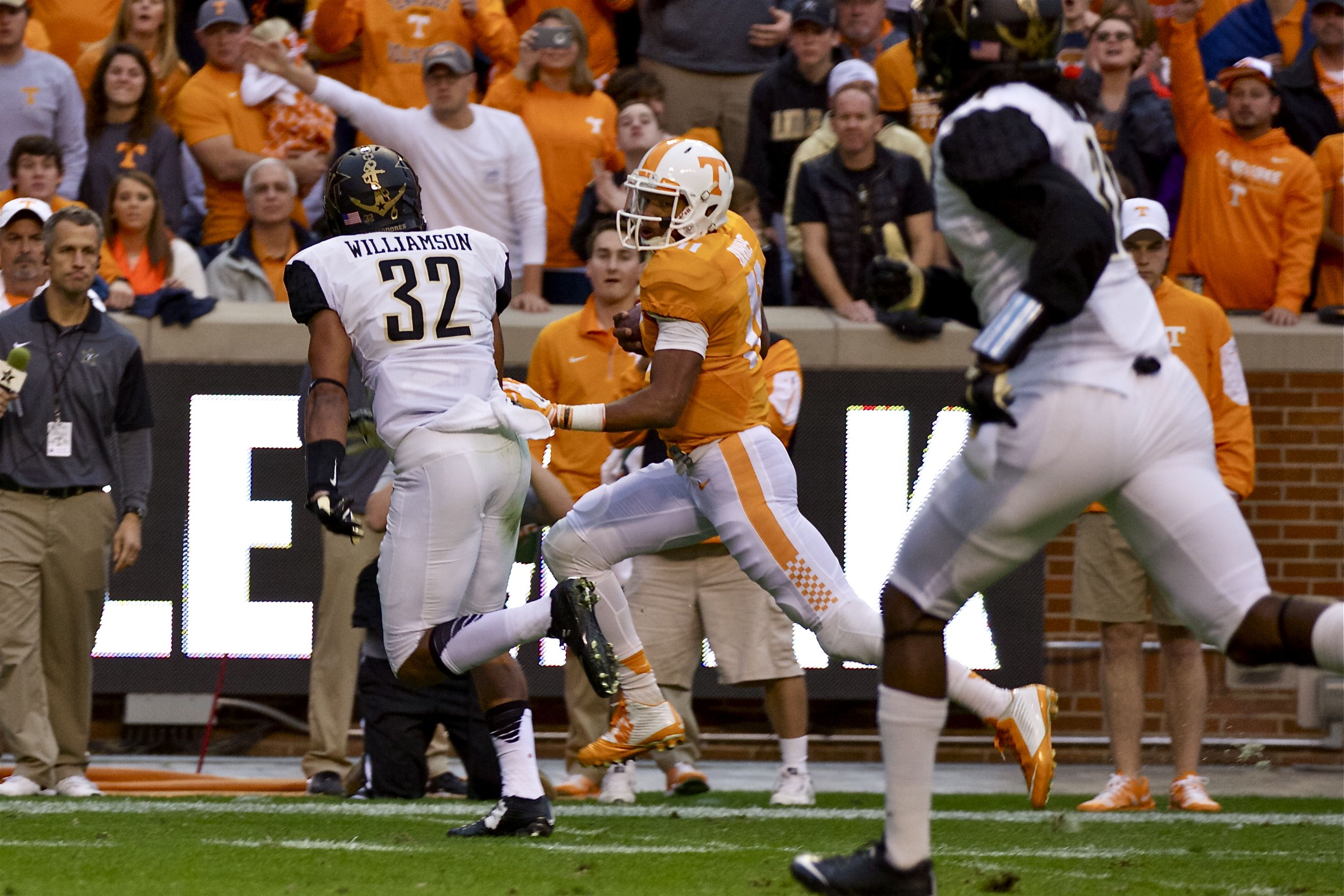 Tennessee ranked for 1st time in CFB playoff selection committee Top 25