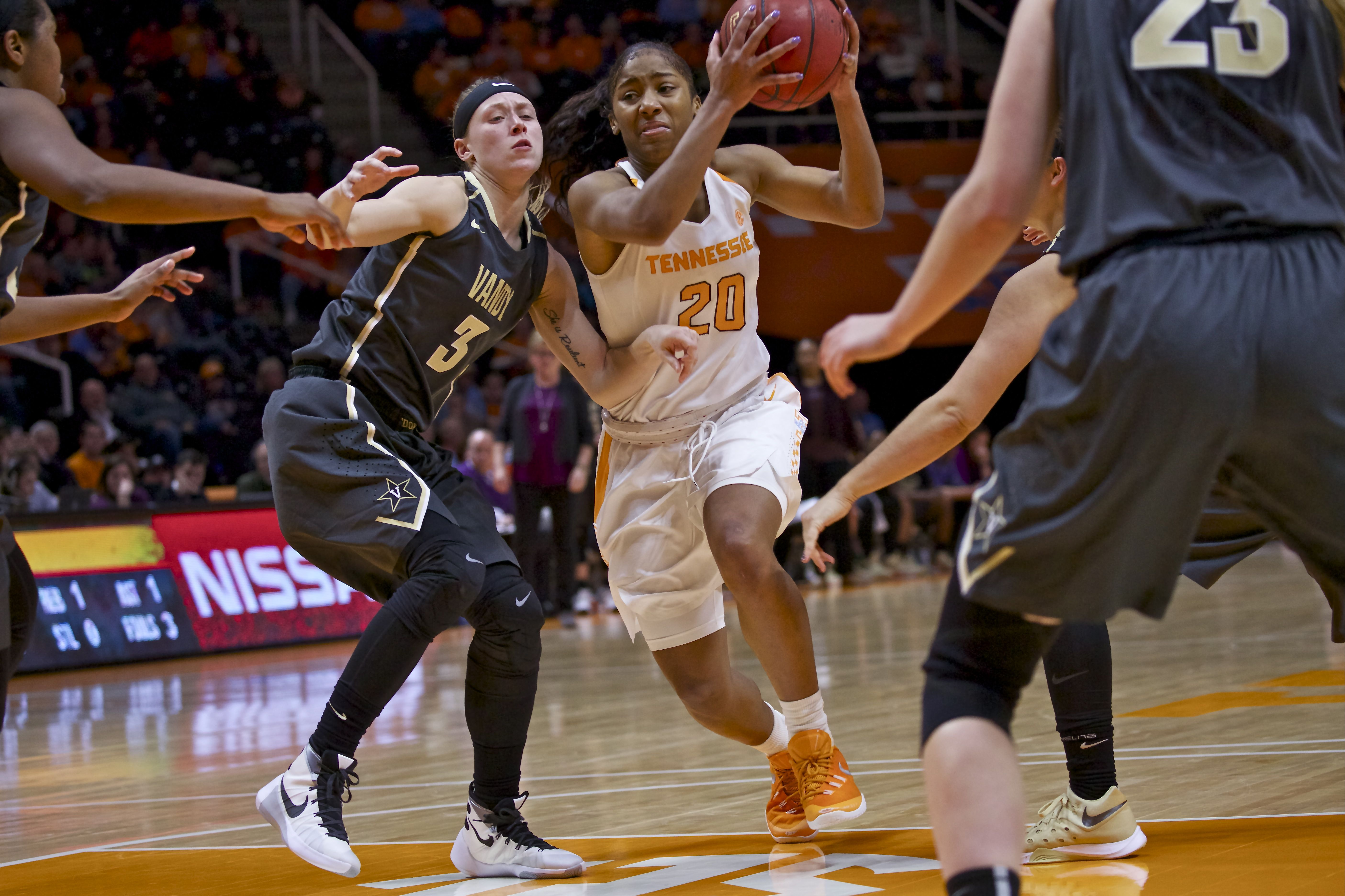 Photo Gallery: Lady Vols vs. Vanderbilt Action 1-21-16