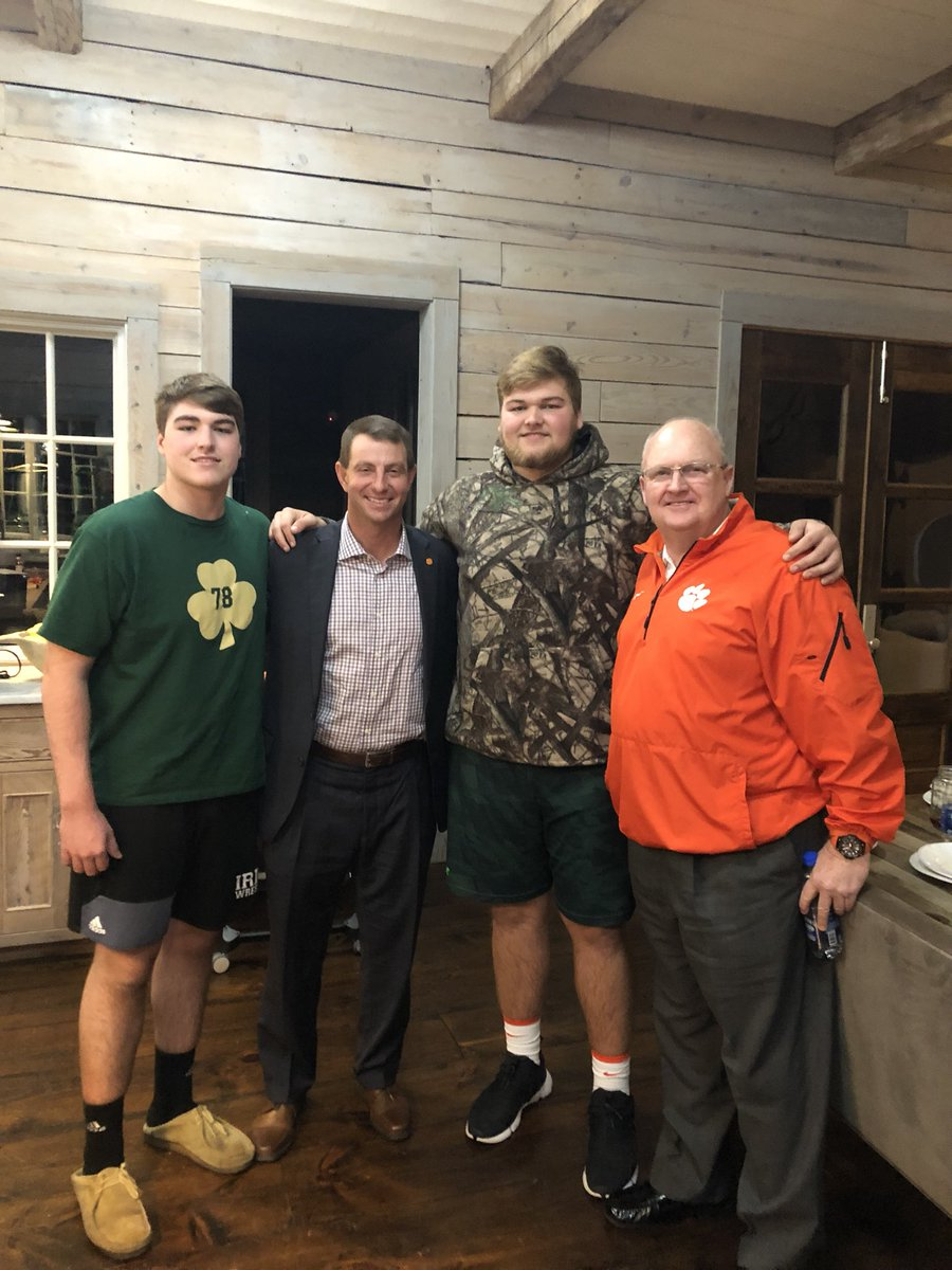Kerbyson: Tennessee Is Out of the Running for Cade Mays
