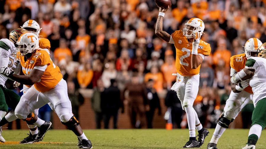 Vol Report: Quarterbacks Lead Vols into Road Test at Kentucky
