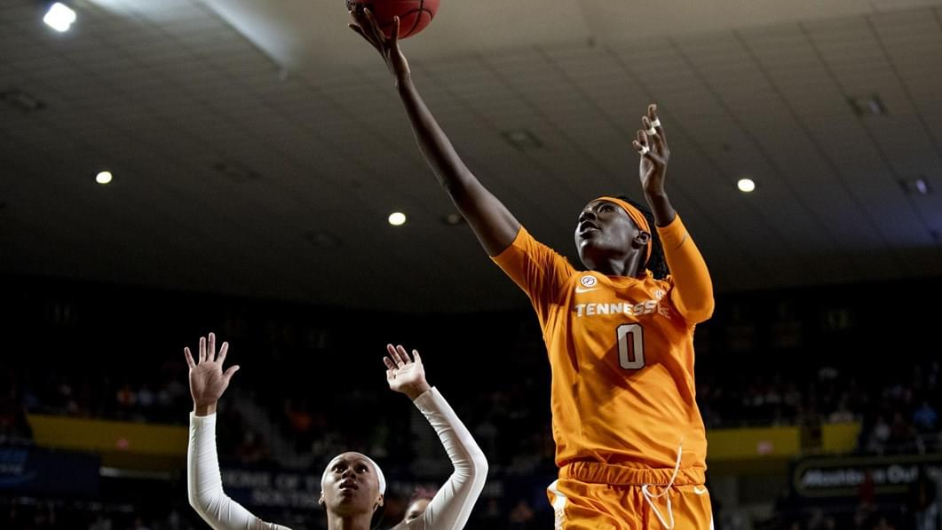 UT's Davis on Citizen Naismith Trophy Watch List