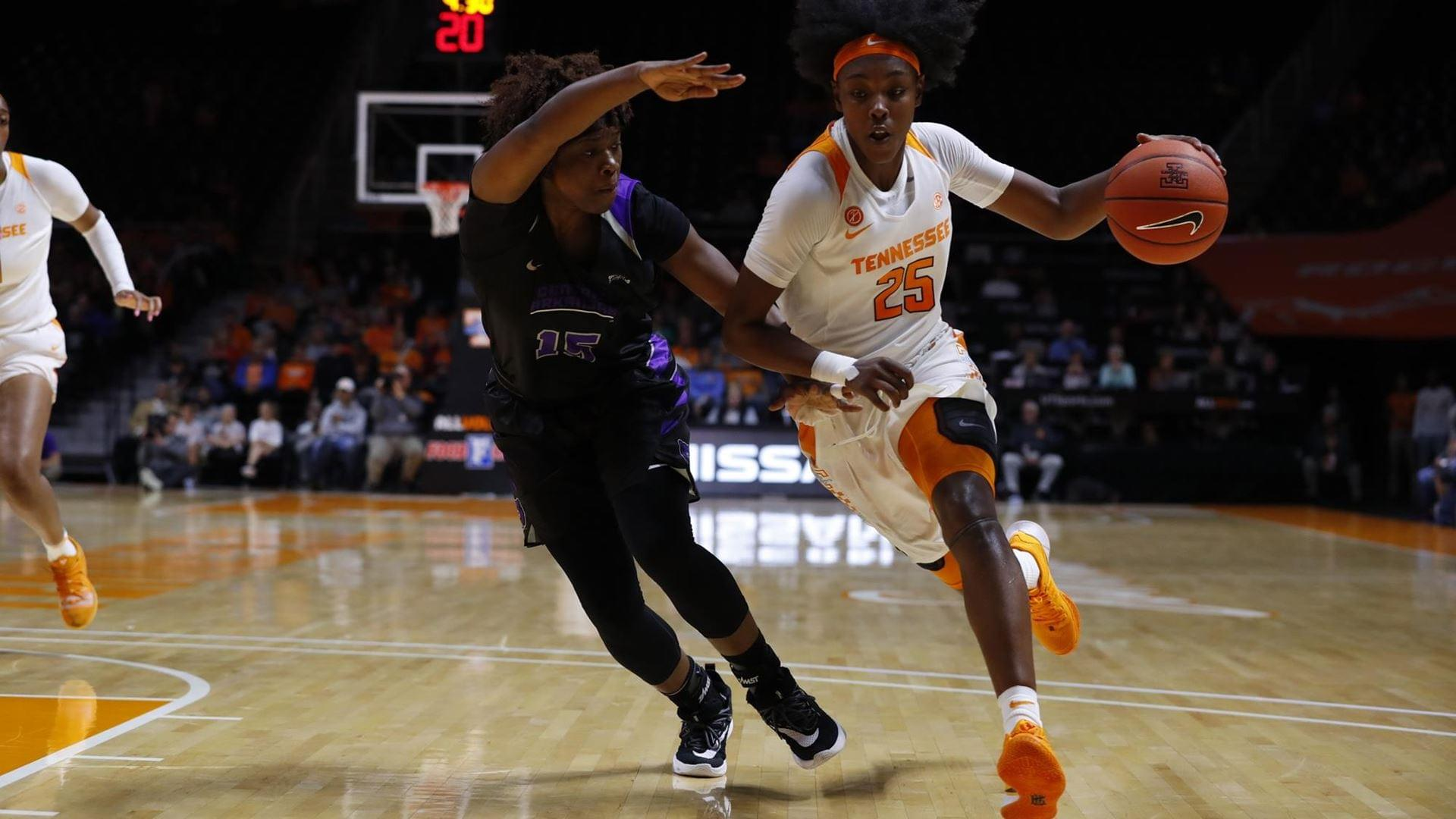 Lady Vols Beat UCA In Home Opener, 63-36.