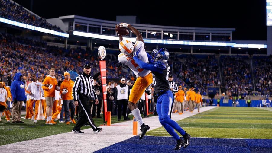 Second-Half Surge, Goal-Line Stand Lead Vols Past Kentucky, 17-13