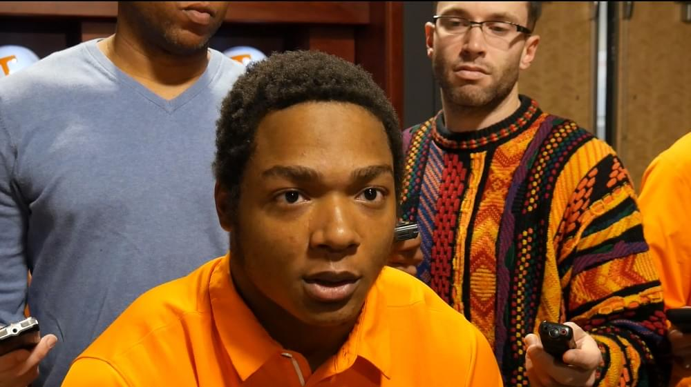 """Video: Warrior on coaching staff making calls that work """"They make a big difference"""""""