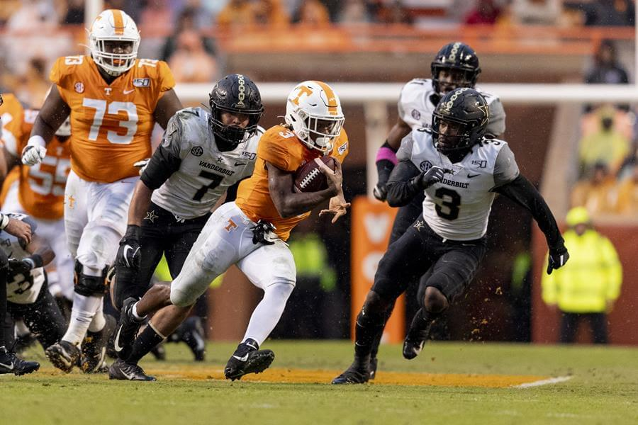 Gray, Vols Storm Past Commodores, 28-10